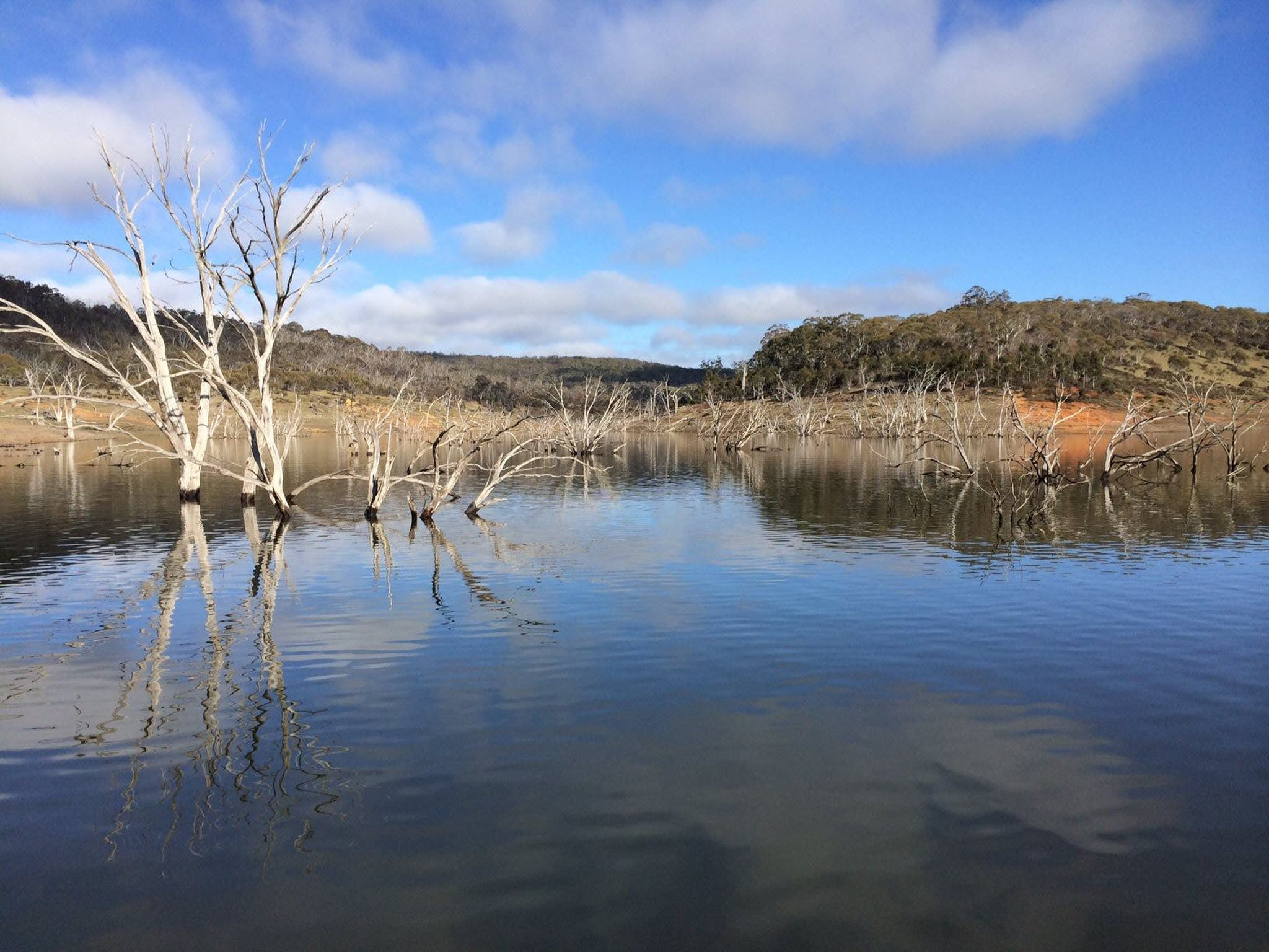 Lake Eucumbene - VIC Tourism