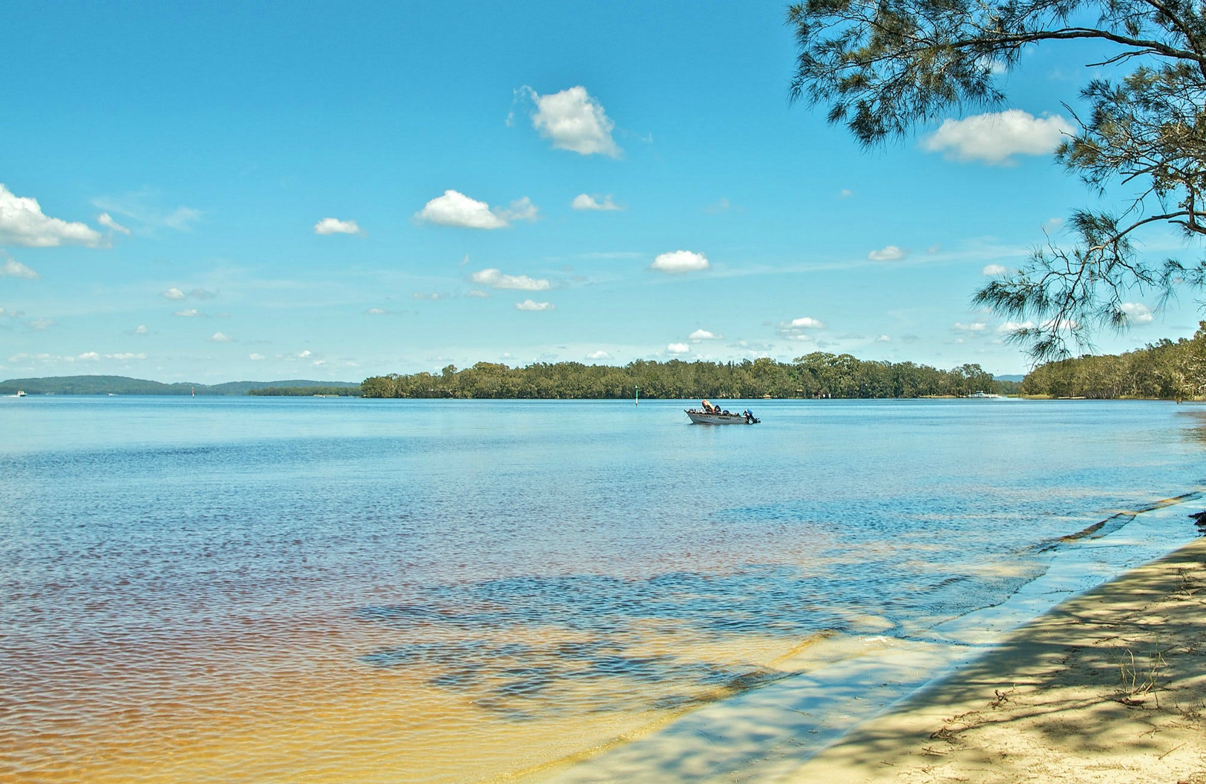 Northern Broadwater Picnic Area - VIC Tourism