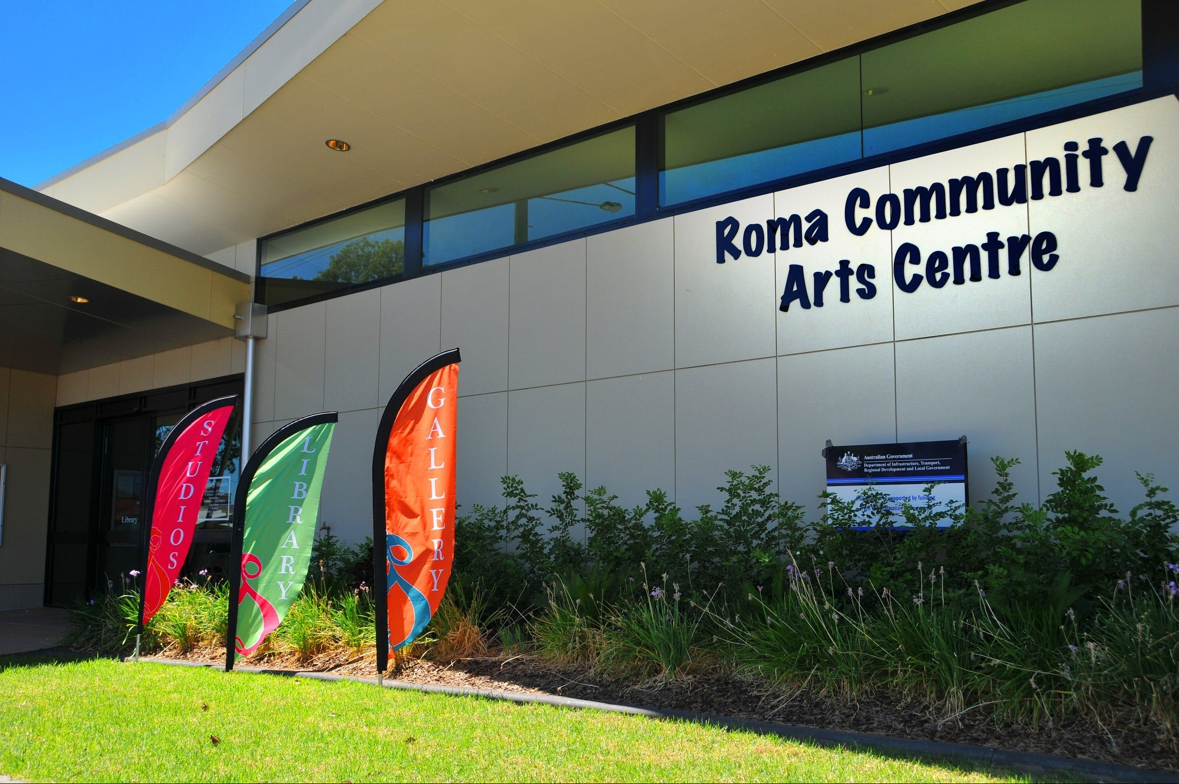 Roma on Bungil Art Gallery and the Walk of Art - VIC Tourism