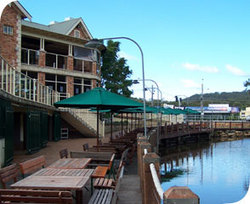 The Woodport Inn - VIC Tourism
