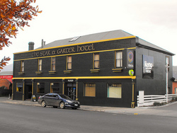 Star  Garter Hotel - VIC Tourism