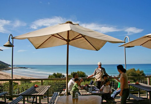 Wye Beach Hotel - VIC Tourism