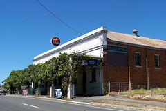 Red Hill Hotel - VIC Tourism