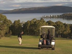 North West Bay Golf Club - VIC Tourism