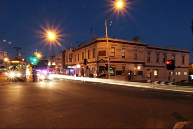 Three Crowns Hotel - VIC Tourism