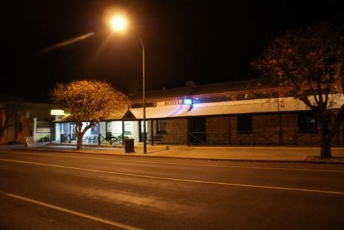 Riverton Hotel - VIC Tourism