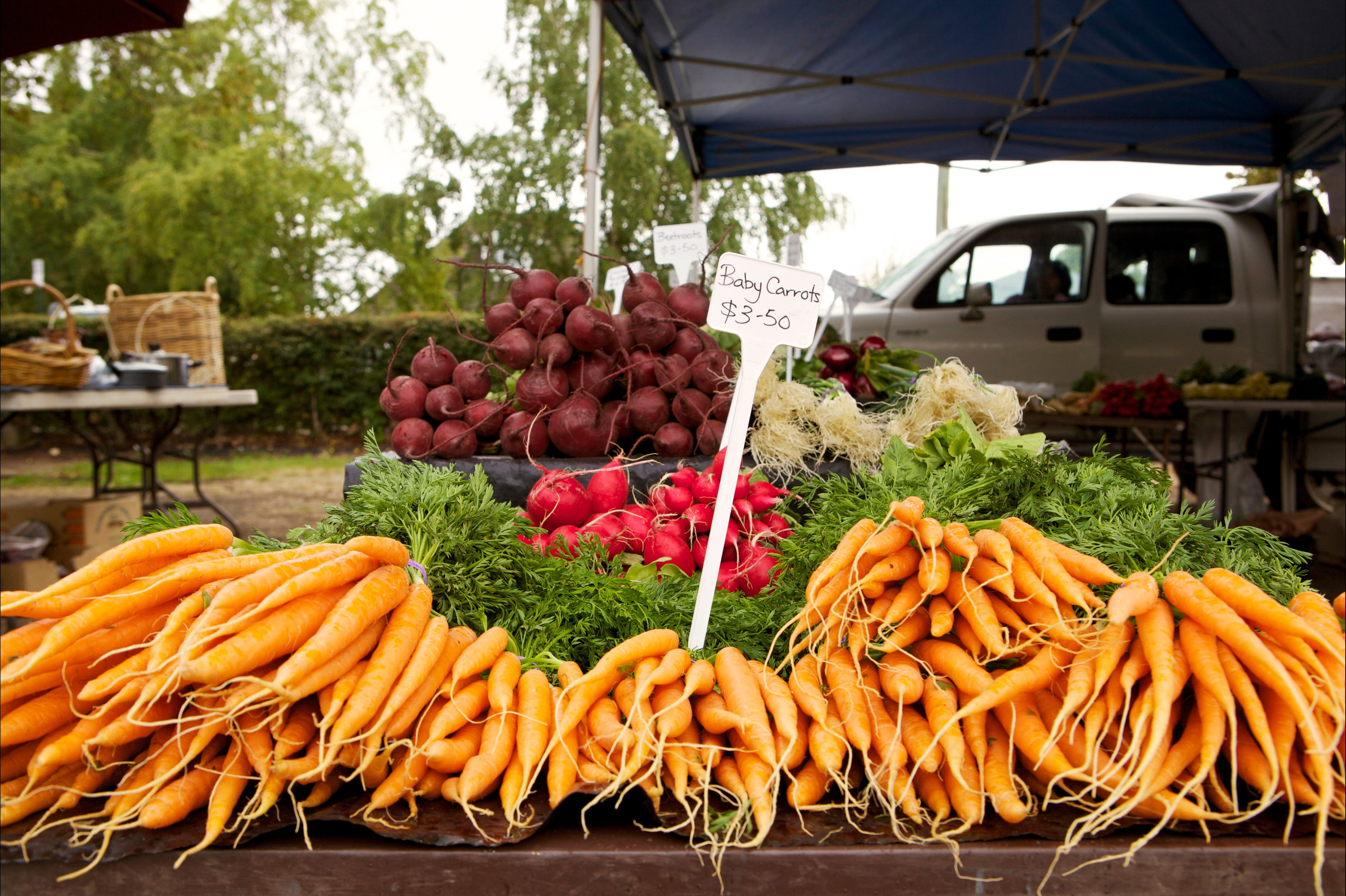 Evandale Market - Weekly - VIC Tourism