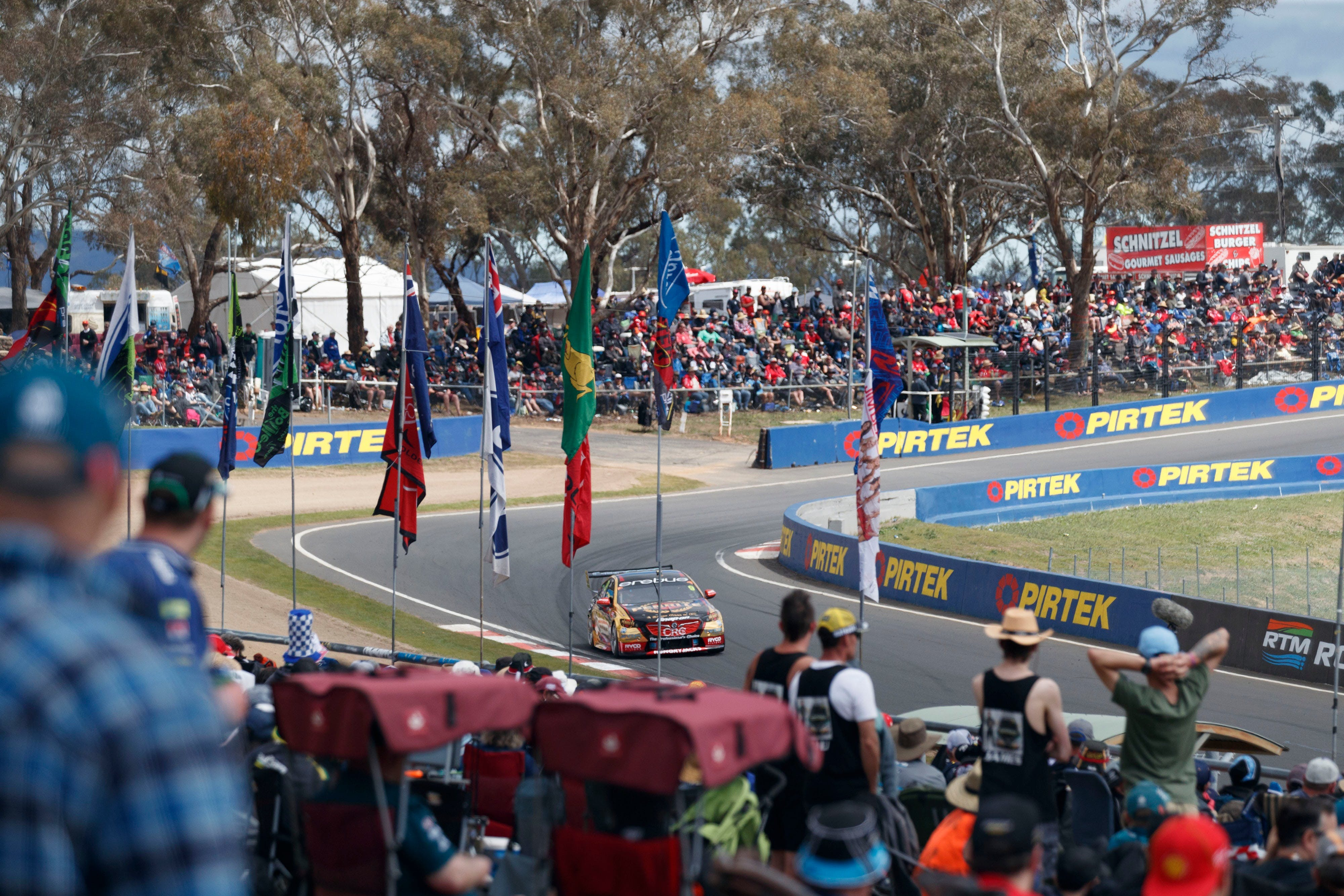 Supercars Supercheap Auto Bathurst 1000 - VIC Tourism