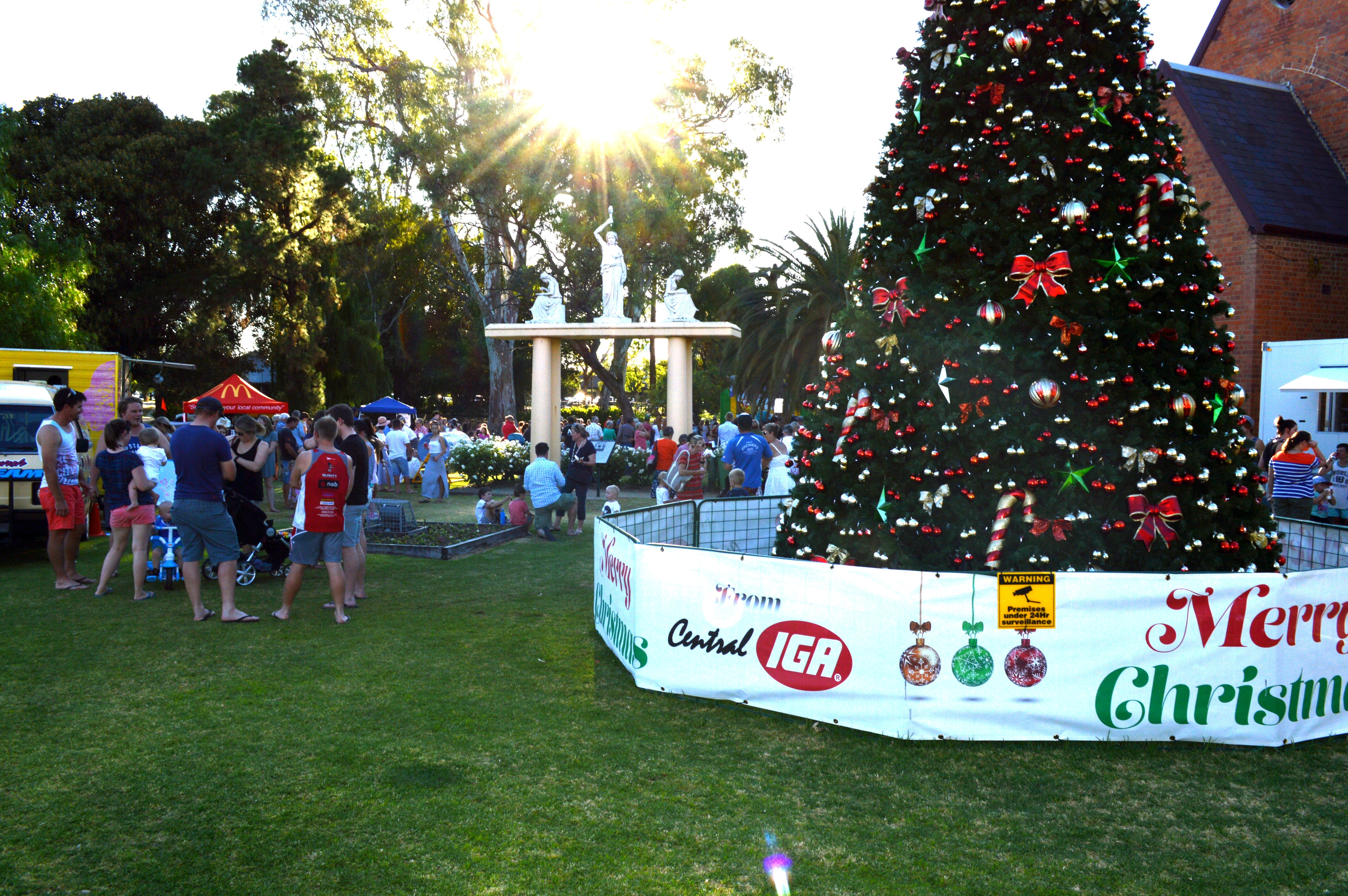 Community Christmas Party and Carols by Candlelight - VIC Tourism