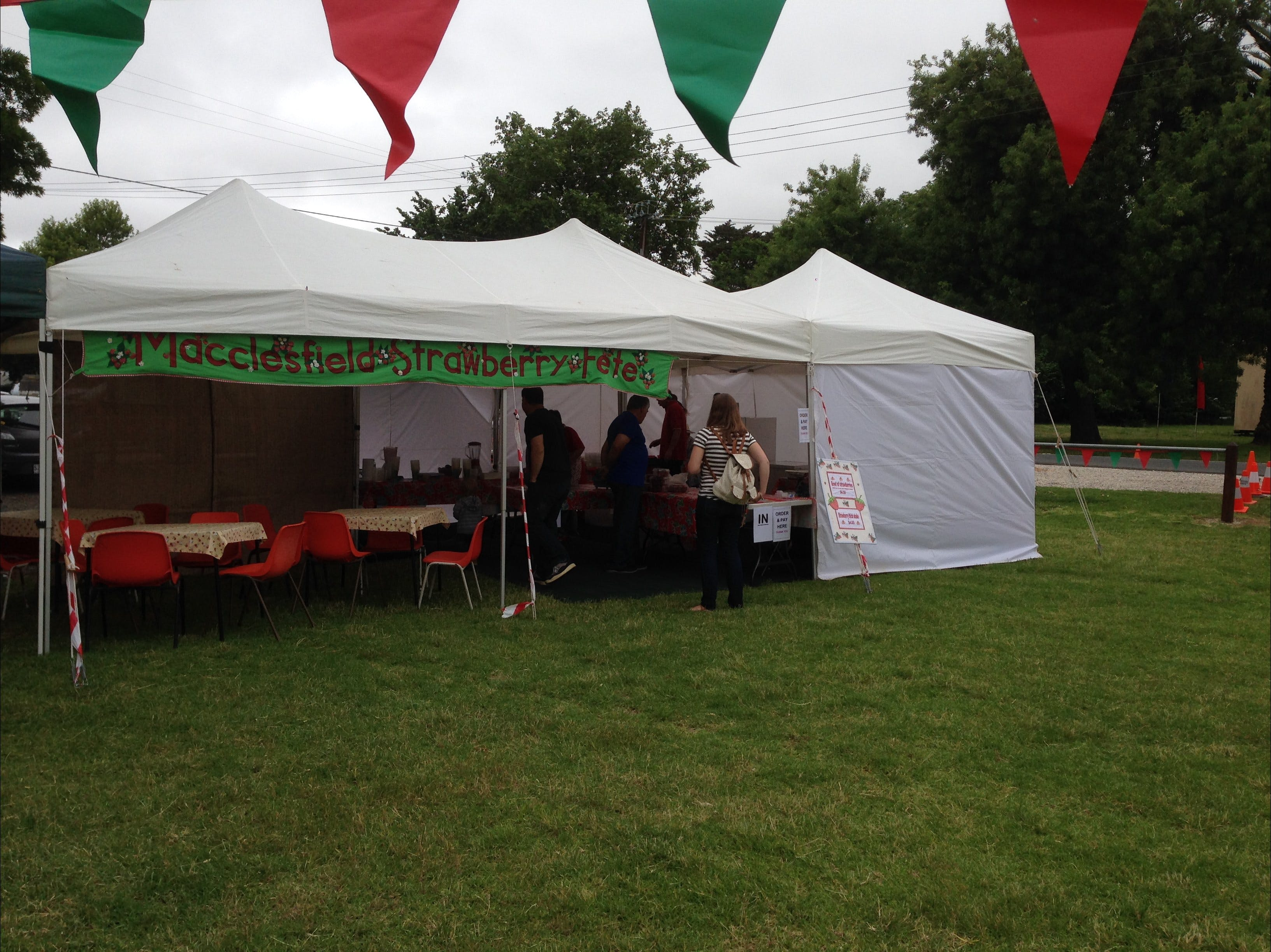 Macclesfield Strawberry Fete - VIC Tourism