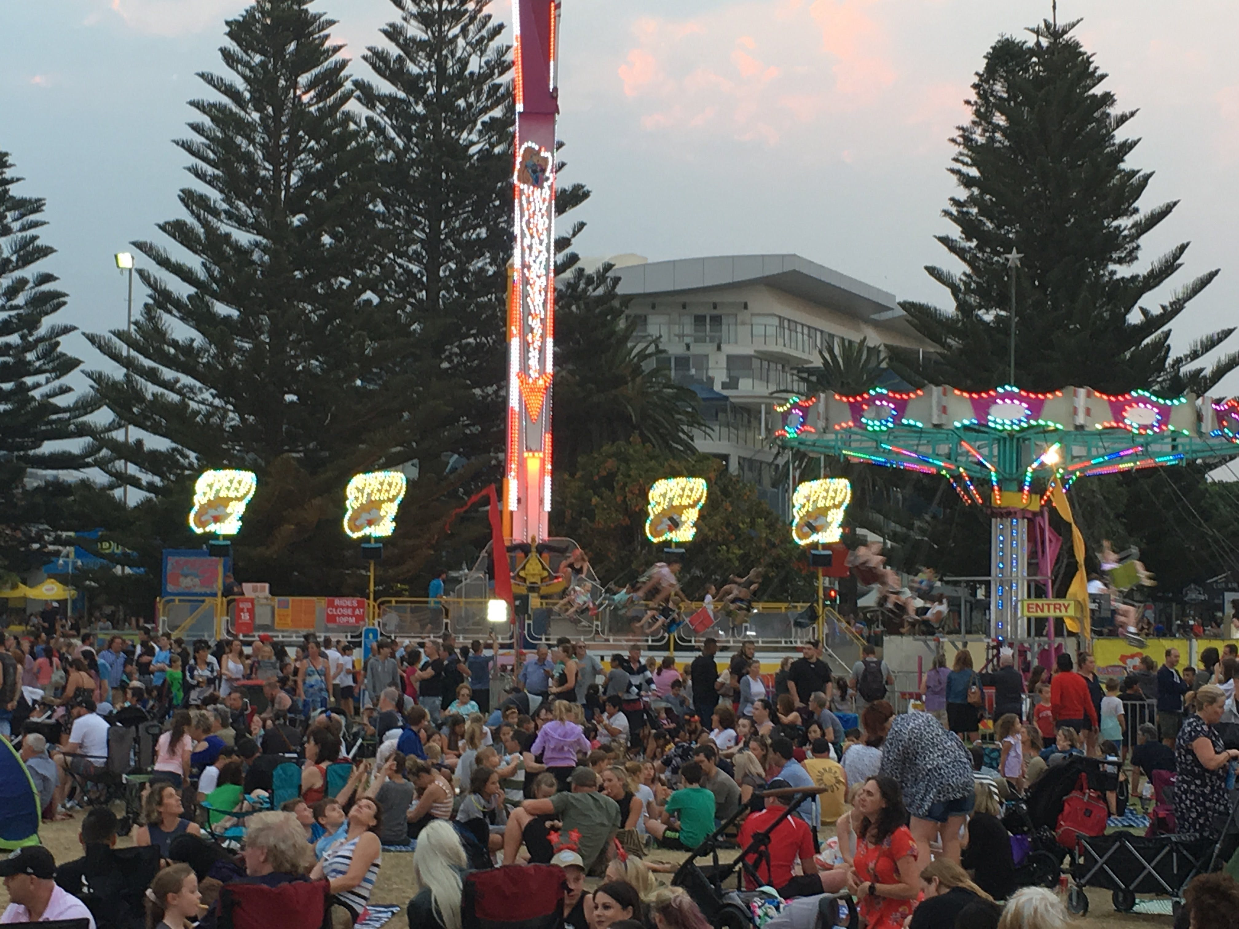 New Years Eve at The Entrance - VIC Tourism