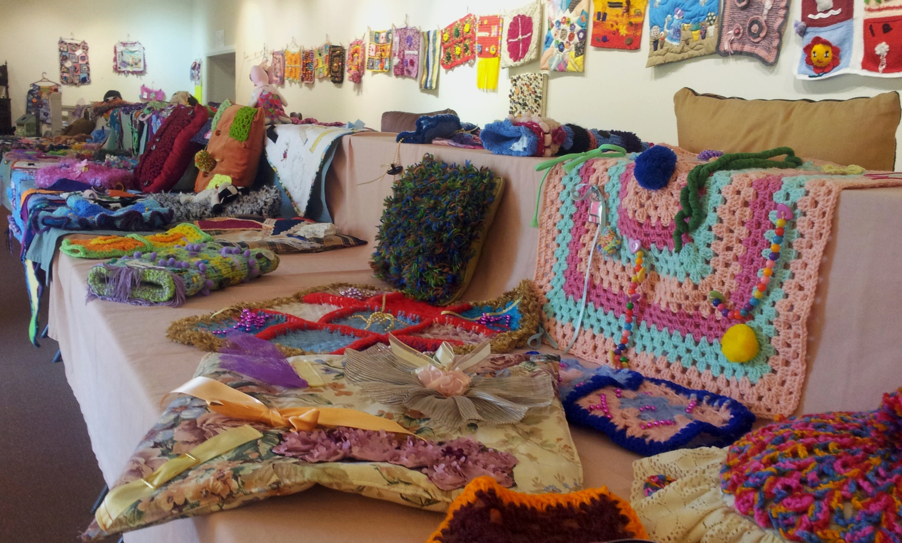 Dementia Fiddle Rug Exhibition - VIC Tourism