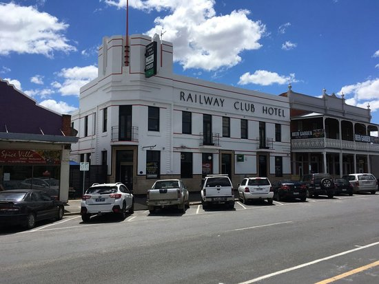 Railway Club Hotel - VIC Tourism