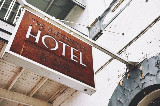 Alexandra Hotel and Cafe - VIC Tourism
