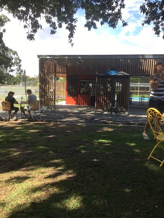 Gardens Lake Cafe - VIC Tourism