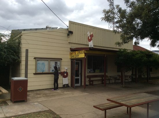 Swifts Creek Bakery - VIC Tourism