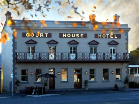 The Courthouse Hotel Bistro - VIC Tourism