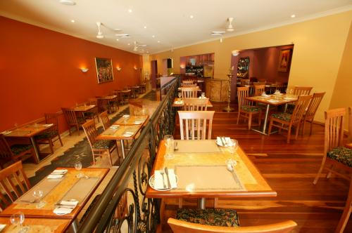 Marinades Indian Restaurant - VIC Tourism