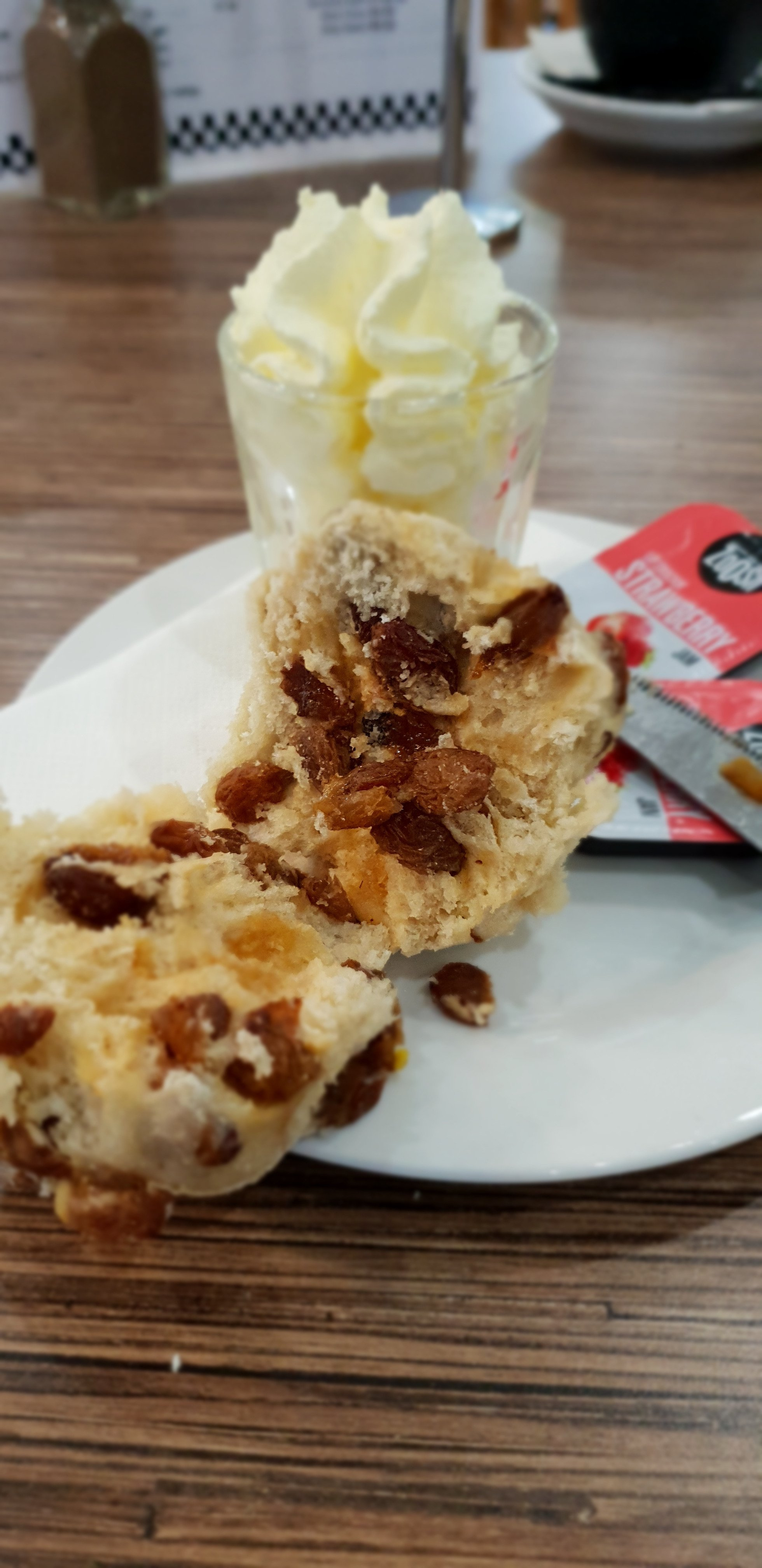 Degani Bakery Cafe - VIC Tourism