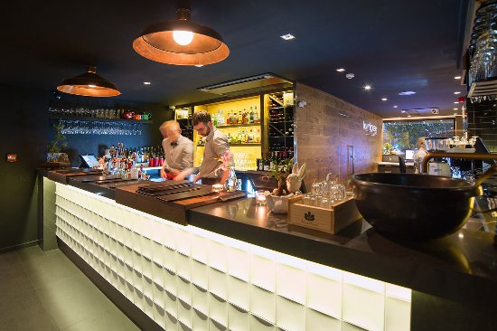 The Oakroom Kitchen and Bar - VIC Tourism
