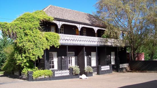Top Pub Uralla - VIC Tourism