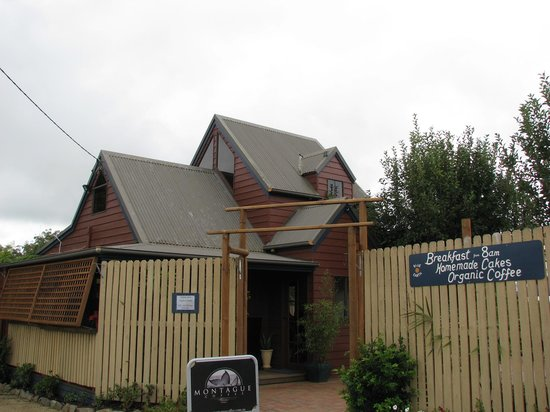 Blue Earth Cafe - VIC Tourism
