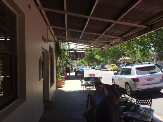 Cafe on Louee - VIC Tourism
