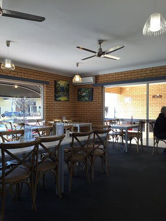 Cardian's Coffee Lounge - VIC Tourism
