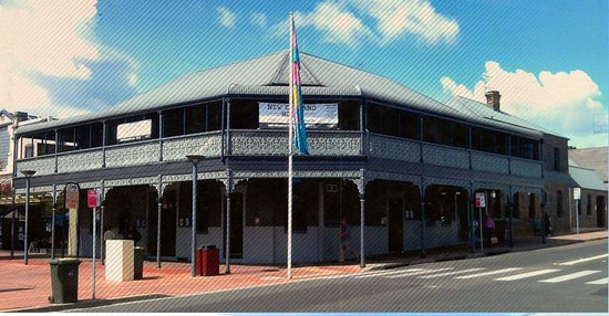 The New England Hotel - VIC Tourism