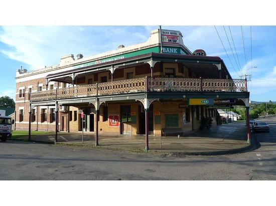 Bank Hotel Dungog - VIC Tourism