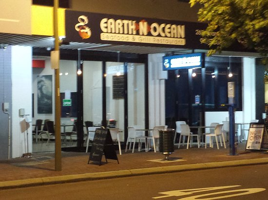 Earth n ocean seafood grill restaurant - VIC Tourism