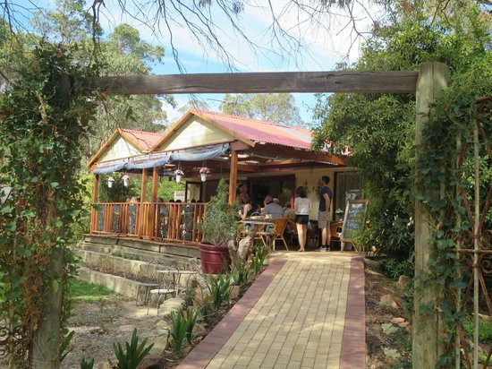 Valenti's on the Brook - VIC Tourism