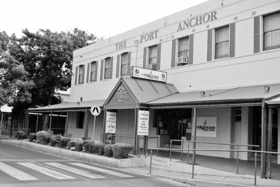 The Port Anchor Hotel - VIC Tourism