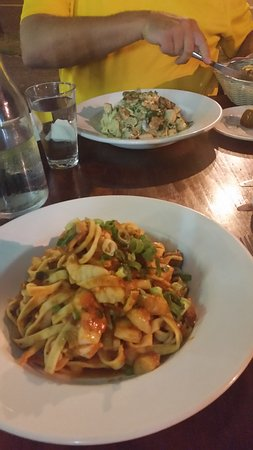 Holloways Pizza and pasta - VIC Tourism