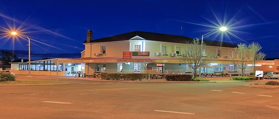Grand Old Crow Hotel - VIC Tourism
