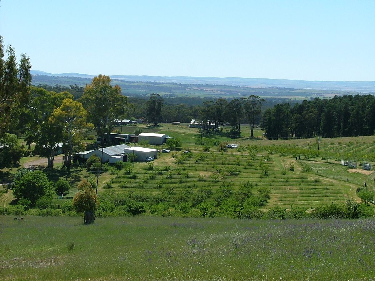 Taralee Orchards - VIC Tourism