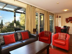 Villa Cypress located within Cypress Lakes - VIC Tourism