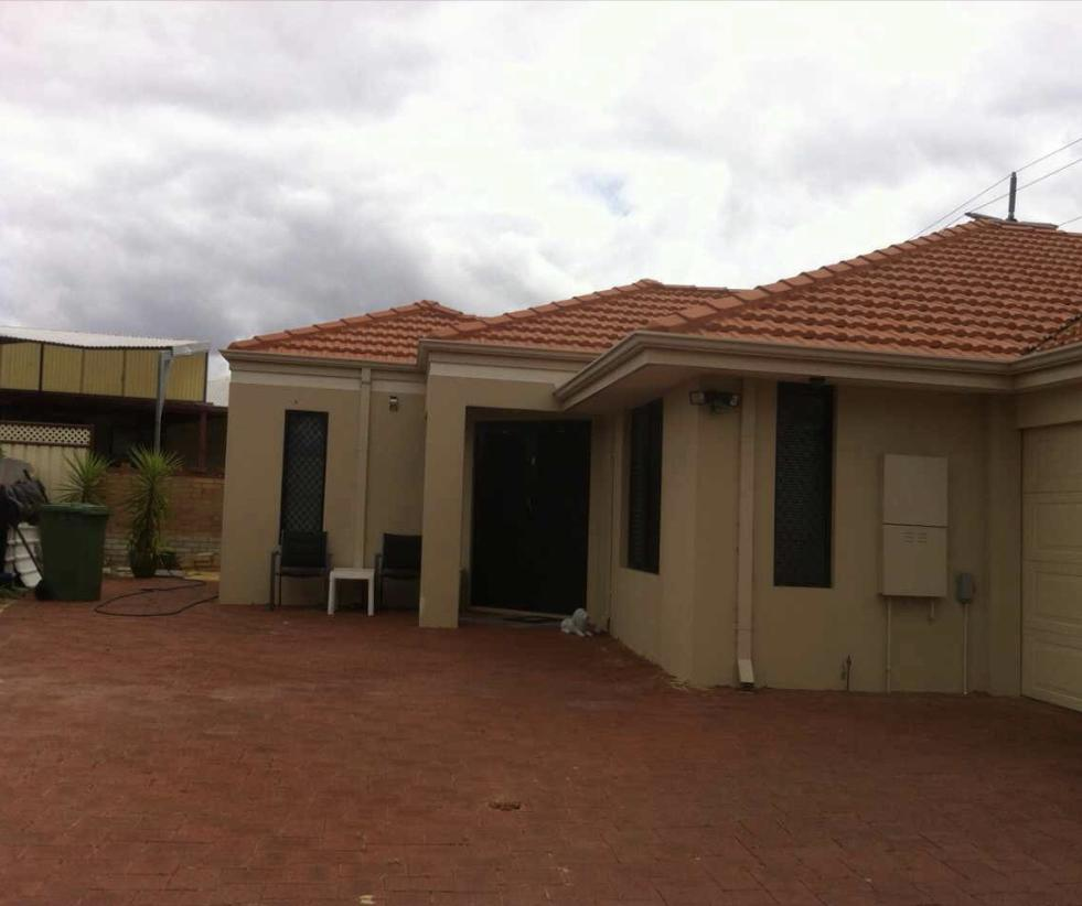 House close to airport - VIC Tourism