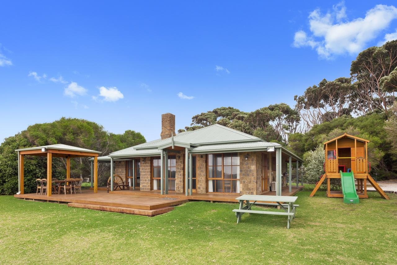 Apollo Bay Cottages - VIC Tourism