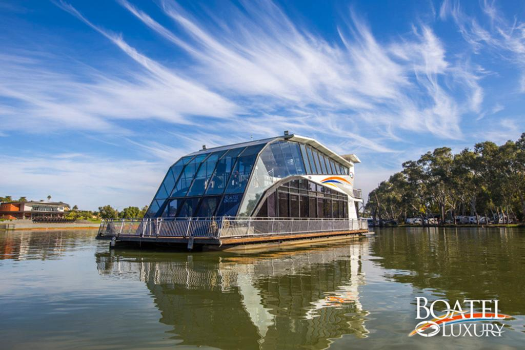 All Seasons Houseboats - VIC Tourism